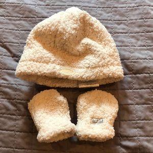 JJ Cole Bundleme Hat and mitten set